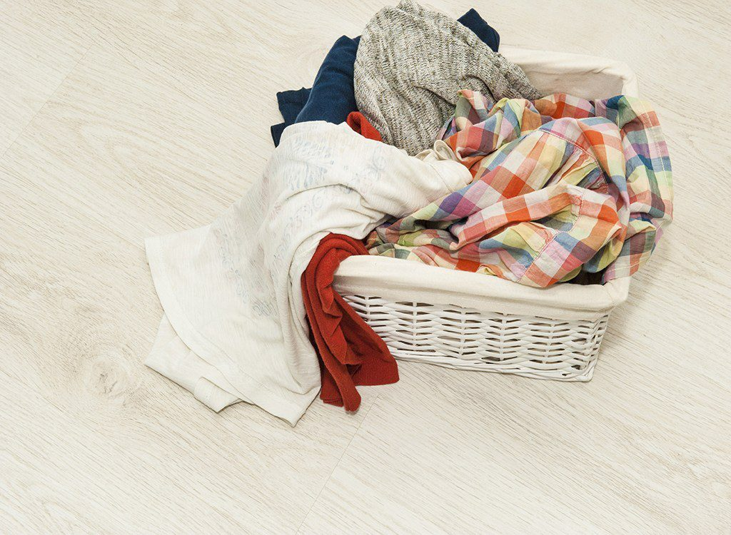 جدا کردن لباس قبل از شستشو لباس ها